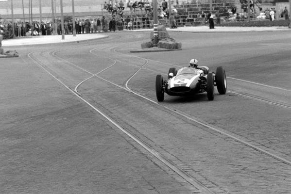 Race winner Jack Brabham (AUS) Cooper Climax T53. The Oporto street circuit was only used once; the tramlines, cobbled roads and numerous lamp-posts deemed too dangerous even in 1960.