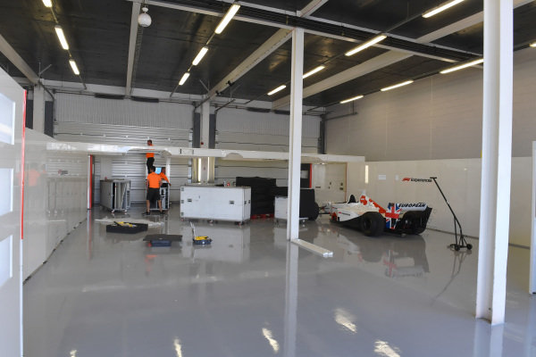 F1 Experiences garage