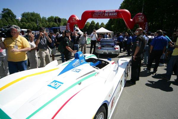 June 13-19, Le Mans FranceTech TuesdayCopyright 2005, Richard Dole, LAT Photographic.