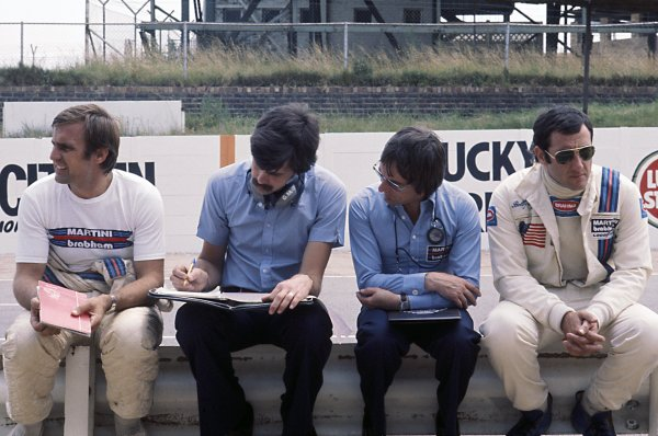 1976 South African Grand Prix. Kyalami, South Africa. 4-6 March 1976. Brabham team owner Bernie Ecclestone with designer Gordon Murray and drivers Carlos Reutemann and Carlos Pace, portrait. Ref-76SA18. World Copyright - LAT Photographic