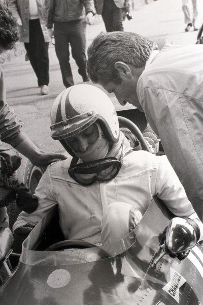 1969 Dutch Grand Prix.Zandvoort, Holland. 21 June 1969.Chris Amon, Ferrari 312, 3rd position, portrait, helmet.World Copyright: LAT PhotographicRef: Autocar b&w print