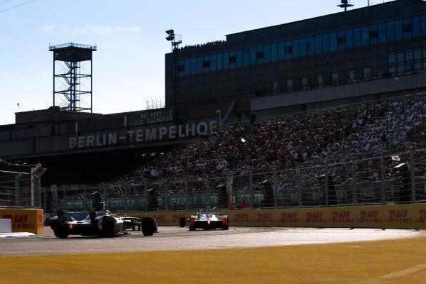 Nick Heidfeld (GER), Mahindra Racing, Mahindra M4Electro, Tom Dillman (FRA) Venturi Formula E, Venturi VM200-FE-03.