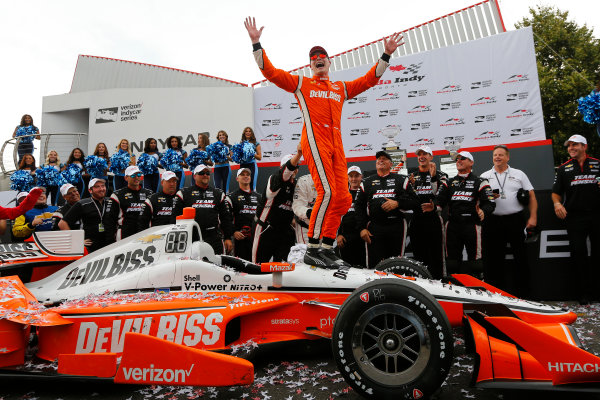 Verizon IndyCar Series Honda Indy Toronto Toronto, ON CAN Sunday 16 July 2017 Josef Newgarden, Team Penske Chevrolet celebrates in Victory Lane World Copyright: Phillip Abbott LAT Images ref: Digital Image abbott_toronto_0717_7484