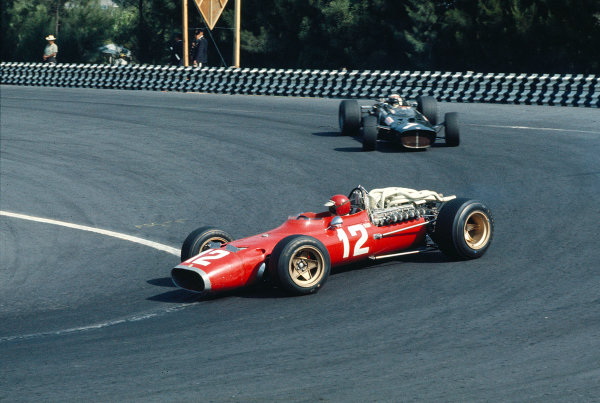 1967 Mexican Grand Prix.Mexico City, Mexico.20-22 October 1967.Jonathan Williams (Ferrari 312) followed by Jackie Stewart (BRM P115). Williams finished in 8th position.Ref-67 MEX 10.World Copyright - LAT Photographic