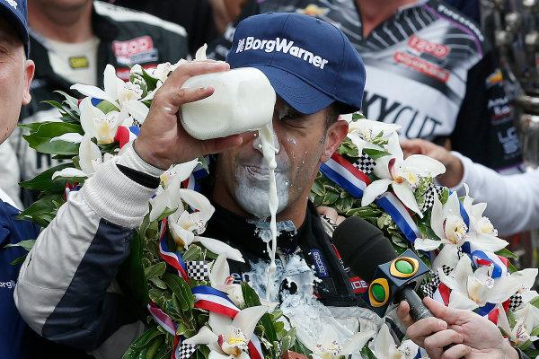 26 May, 2013, Indianapolis, Indiana, USA Winner Tony Kanaan drinks milk in Victory lane © 2013, Michael L. Levitt LAT Photo USA