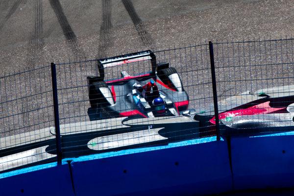 2015/2016 FIA Formula E Championship. Testing, Punta del Este, Uruguay. Sunday 20 December 2015. Stephane Sarrazin (FRA), Venturi VM200-FE-01 crashes. Photo: Zak Mauger/LAT/Formula E ref: Digital Image _L0U9741