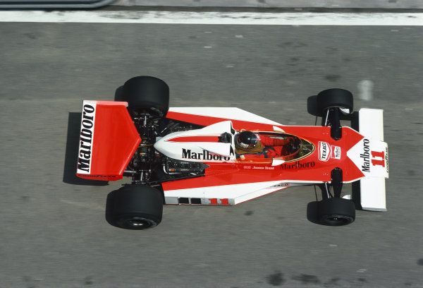 Jarama, Spain. 2nd May 1976.  James Hunt (McLaren M23-Ford), 1st position, action. World Copyright: LAT Photographic.  Ref:  76 ESP 41.