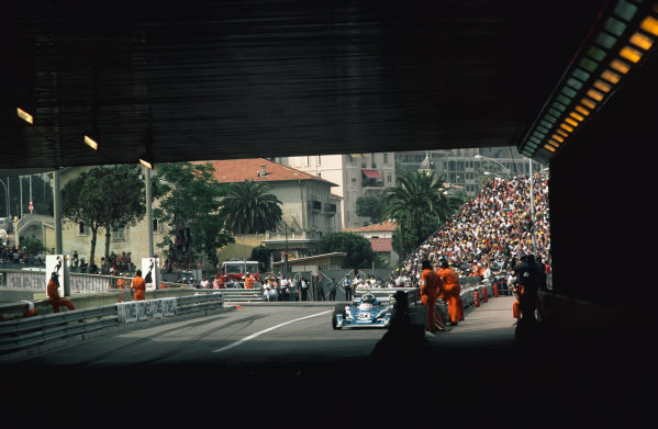 Monte Carlo, Monaco. 27th - 30th May 1976. Jacques Laffite (Ligier JS5-Matra), 12th position, action.  World Copyright: LAT Photographic.  Ref: 76 MON 72.