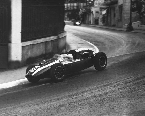 1959 Monaco Grand Prix. Monte Carlo, Monaco. 10 May 1959. Jack Brabham (Cooper T51-Climax), 1st position, action. World Copyright: LAT Photographic. Ref:  B/W Print.