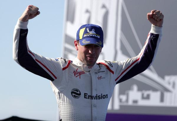 Robin Frijns (NLD), Envision Virgin Racing celebrates winning the race