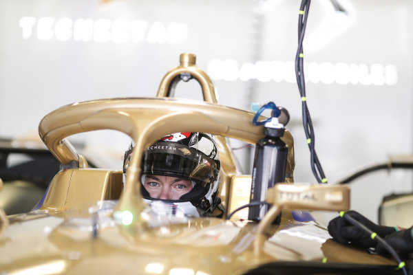 Andre Lotterer (DEU), DS TECHEETAH, DS E-Tense FE19 sits in his car
