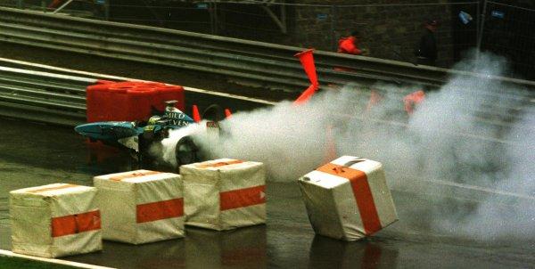 1998 Belgian Grand Prix.Spa-Francorchamps, Belgium. 28-30 August 1998.Giancarlo Fisichella (Benetton B198 Playlife) crashes after colliding with Shinji Nakano.World Copyright - Steve Etherington/LAT Photographic