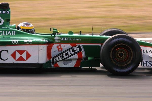 2001 European Grand Prix. Saturday QualifyingNurburgring, Germany. 23rd June 2001World Copyright - LAT Photographicref: 8 9 MB Digital File Only