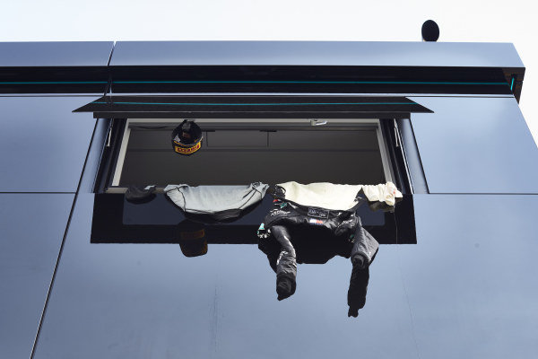 Drying overalls of Lewis Hamilton, Mercedes F1 W11 EQ Performance, 1st position, after the race