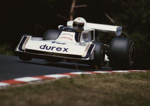 Alan Jones, Surtees TS19 Ford during practice.