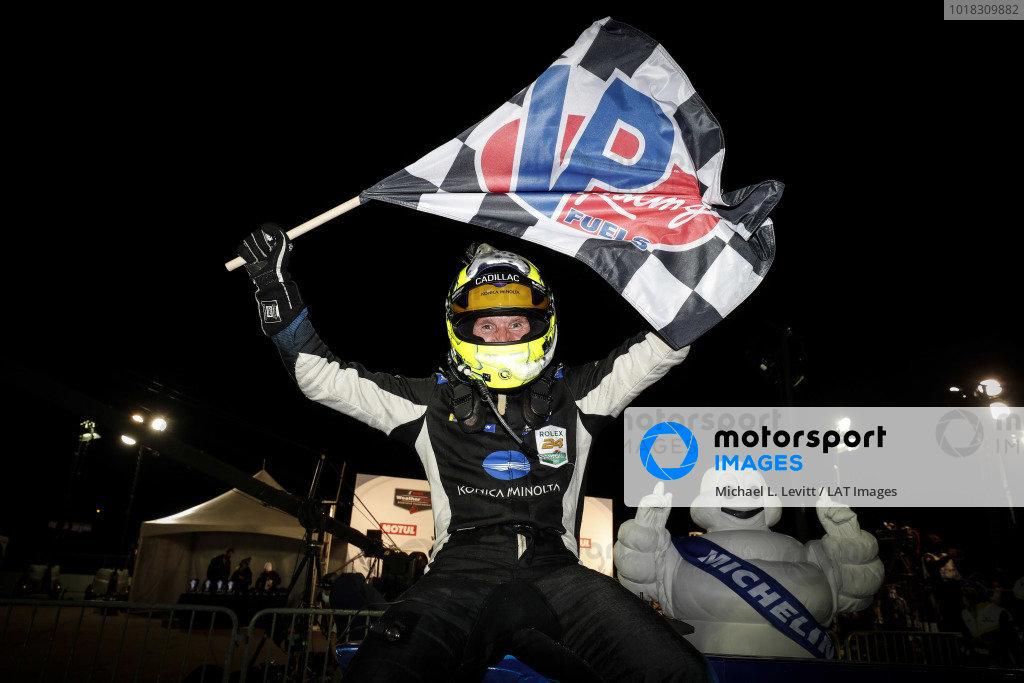 #10 Konica Minolta Cadillac DPi-V.R. Cadillac DPi, DPi: Renger Van Der Zande, Winner