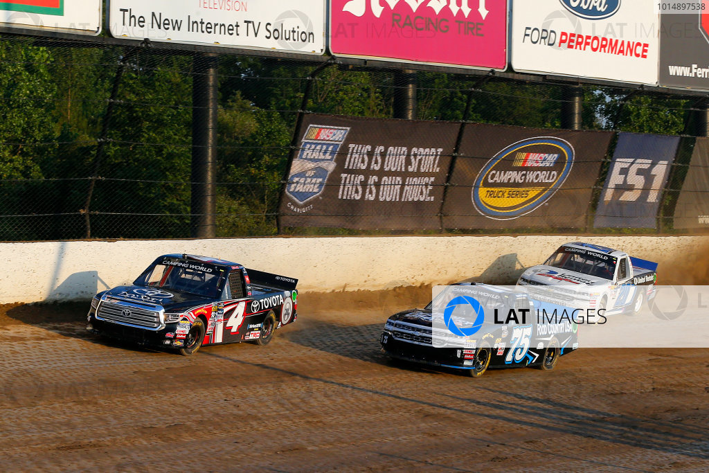 NASCAR Camping World Truck Series Eldora Dirt Derby Eldora Speedway, Rossburg, OH USA Wednesday 19 July 2017 Christopher Bell, Toyota Toyota Tundra, Caleb Holman, Food Country USA / Lopez Wealth Management Chevrolet Silverado and Sheldon Creed, Young's Building Systems Chevrolet Silverado World Copyright: Russell LaBounty LAT Images