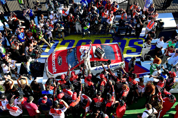 Monster Energy NASCAR Cup Series AXALTA presents the Pocono 400 Pocono Raceway, Long Pond, PA USA Sunday 11 June 2017 Ryan Blaney, Wood Brothers Racing, Motorcraft/Quick Lane Tire & Auto Center Ford Fusion wins. World Copyright: Rusty Jarrett LAT Images ref: Digital Image 17POC1rj_3595