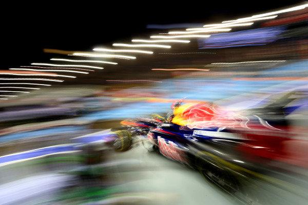 Marina Bay Circuit, Singapore21st September 2012Sebastian Vettel, Red Bull RB8 Renault. World Copyright: Andy Hone/LAT Photographicref: Digital Image HONZ2221