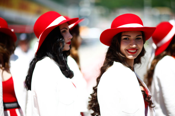 Sochi Autodrom, Sochi, Russia. Sunday 30 April 2017. Grid girls at the Russian Grand Prix. World Copyright: Andy Hone/LAT Images ref: Digital Image _ONZ1636