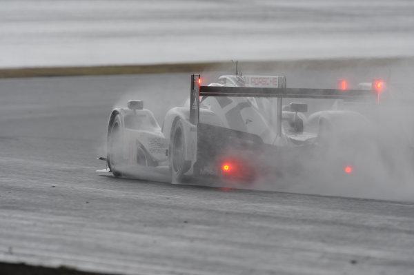 2015 FIA World Endurance Championship, Fuji, Japan 11th-12th October 2015, Timo Bernhard / Mark Webber / Brendon Hartley Porsche Team Porsche 919 Hybrid  World copyright. Jakob Ebrey/LAT Photographic
