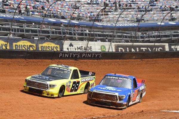#88: Matt Crafton, ThorSport Racing, Toyota Tundra ThorSport Racing, #52: Stewart Friesen, Halmar Friesen Racing, Toyota Tundra Halmar International