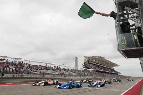 Felix Rosenqvist, Chip Ganassi Racing Honda, Patricio O'Ward, Carlin Chevrolet, Josef Newgarden, Team Penske Chevrolet, start, green flag