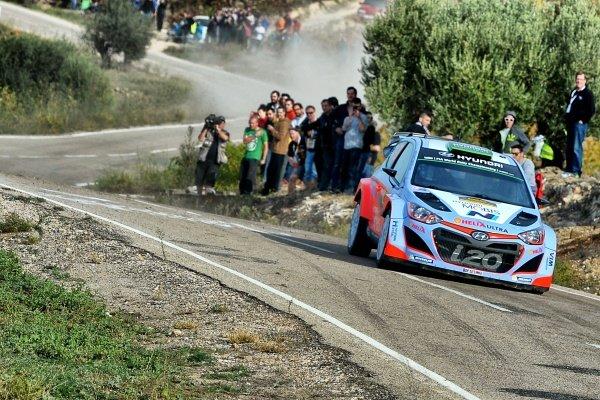 Hayden Paddon (NZL) / John Kennard (NZL) Hyundai i20 WRC at FIA World Rally Championship, Rd12, RAAC Rally de Espana, Day Three, Costa Daurada, Catalunya, Spain, 25 October 2015.
