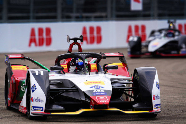 Lucas Di Grassi (BRA), Audi Sport ABT Schaeffler, Audi e-tron FE05, celebrates after winning the race from Sébastien Buemi (CHE), Nissan e.Dams, Nissan IMO1