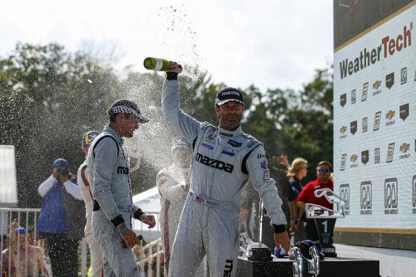 #55 Mazda Team Joest Mazda DPi, DPi: Jonathan Bomarito, Harry Tincknell, Champagne