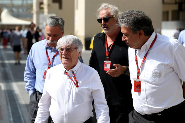 Yas Marina Circuit, Abu Dhabi, United Arab Emirates. Saturday 26 November 2016. Chase Carey, Chairman, Formula One Group, Flavio Briatore, and Bernie Ecclestone, CEO and President, FOM.  World Copyright: Charles Coates/LAT Photographic ref: Digital Image AN7T7450