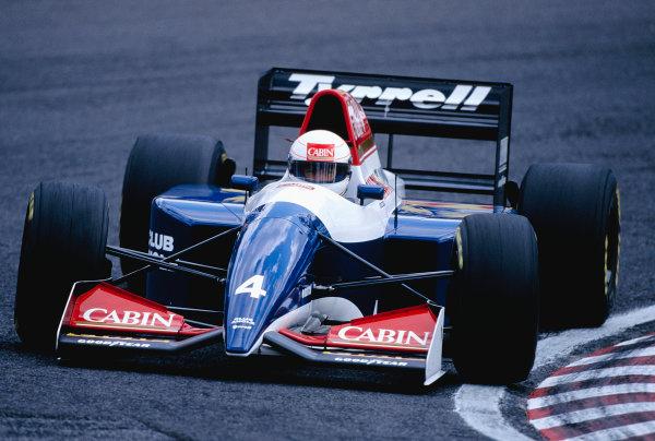 1993 Japanese Grand Prix. Suzuka, Japan. 22-24 October 1993. Andrea de Cesaris (Tyrrell 021 Yamaha). Ref-93 JAP 29. World Copyright - LAT Photographic