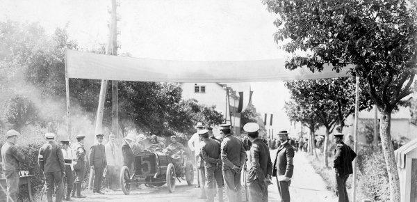 1904 Gordon Bennett Trophy.Homburg, Germany. 17 June 1904.Leon Thery (Richard-Brasier), 1st position.Ref-Autocar S65/2479.World Copyright - LAT Photographic