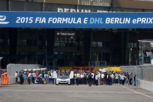 2014/2015 FIA Formula E Championship. Berlin ePrix, Berlin Tempelhof Airport, Germany. Saturday 23 May 2015 The grid before the start of the race. Photo: Andrew Ferraro/LAT/Formula E ref: Digital Image _FER1419
