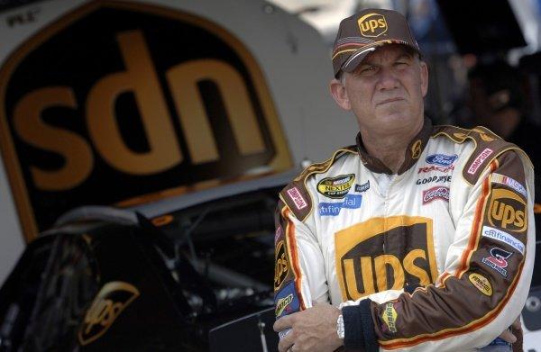 Dale Jarrett (USA), UPS Ford.NASCAR Nextel Cup, Rd28, MBNA 400, Dover, Delaware, USA, 24-25 September 2005.DIGITAL IMAGE
