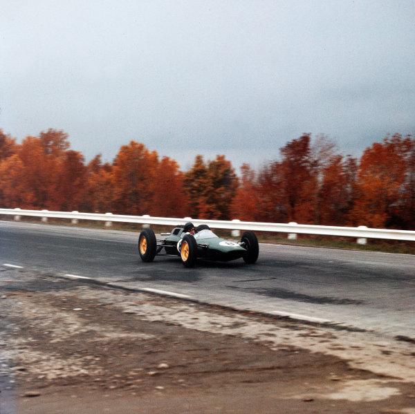 Watkins Glen, New York, USA.5-7 October 1962.Jim Clark (Lotus 25 Climax) 1st position.Ref-3/0690T.World Copyright - LAT Photographic