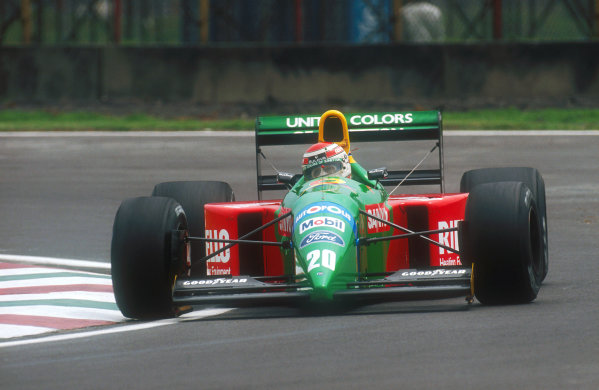 1990 Mexican Grand Prix. Mexico City, Mexico. 8th - 10th June 1990. Nelson Piquet (Benetton B190 Ford) 6th position. World Copyright: LAT Photographic Ref: 35mm Colour Transparency 90MEX11