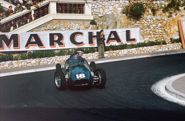 Monte Carlo, Monaco. 19-22 May 1955. Mike Hawthorn, Vanwall VW1, at Station Hairpin. Ref: 55MON01. World Copyright - LAT Photographic