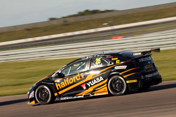 2017 British Touring Car Championship, Rockingham, England. 26th-27th August 2017, Matt Neal (GBR) Halfords Yuasa Racing Honda Civic Type R World Copyright. JEP/LAT Images