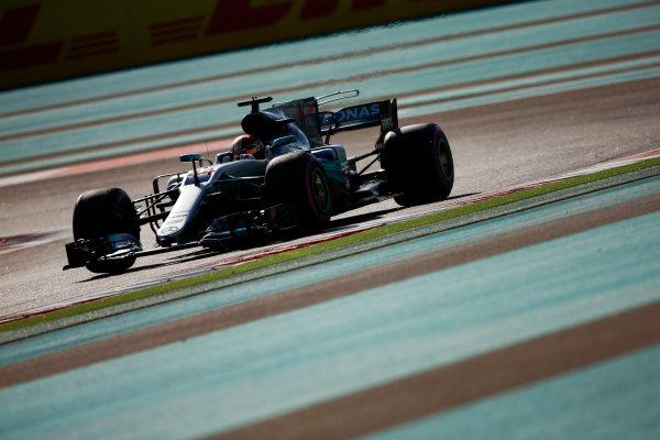 Yas Marina Circuit, Abu Dhabi, United Arab Emirates. Saturday 25 November 2017. Lewis Hamilton, Mercedes F1 W08 EQ Power+.  World Copyright: Andy Hone/LAT Images  ref: Digital Image _ONZ0152