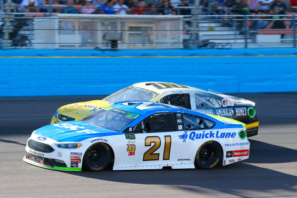 Monster Energy NASCAR Cup Series Can-Am 500 Phoenix Raceway, Avondale, AZ USA Sunday 12 November 2017 Ryan Blaney, Wood Brothers Racing, SKF / Quick Lane Tire & Auto Center Ford Fusion and Derrike Cope, StarCom Racing, StarCom Fiber\Ashurst American Honey Chevrolet SS World Copyright: Russell LaBounty LAT Images