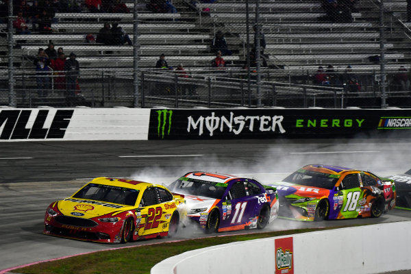 Monster Energy NASCAR Cup Series First Data 500 Martinsville Speedway, Martinsville VA USA Sunday 29 October 2017 Joey Logano, Team Penske, Shell-Pennzoil Ford Fusion, Denny Hamlin, Joe Gibbs Racing, FedEx Walgreens Toyota Camry, Kyle Busch, Joe Gibbs Racing, M&M's Halloween Toyota Camry World Copyright: Scott R LePage LAT Images ref: Digital Image lepage-171029-mart-9231