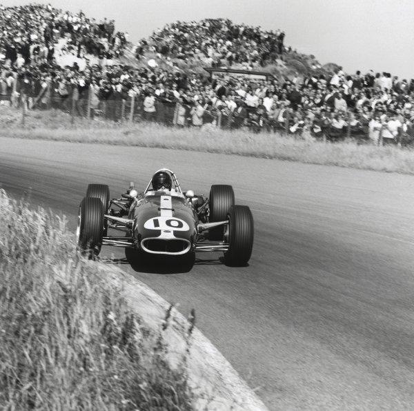 1966 Dutch Grand Prix. Zandvoort, Holland. 24 July 1966. Dan Gurney, Eagle AAR101-Climax, retired, action. World Copyright: LAT Photographic Ref: 35897