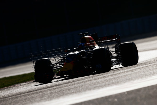 Circuit de Barcelona Catalunya, Barcelona, Spain. Tuesday 07 March 2017. Daniel Ricciardo, Red Bull Racing RB13 TAG Heuer, on track with areodynamic testing devices. World Copyright: Zak Mauger/LAT Images ref: Digital Image _X0W5855