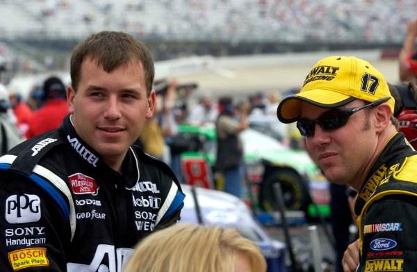 2003 NASCAR-Sharpie 500. Bristol Tenn USA,Aug 22-23,Ryan Newman and Matt Kenseth,World Copyright -RobertLeSieur ,July,2003LAT Photographic-ref: digital image