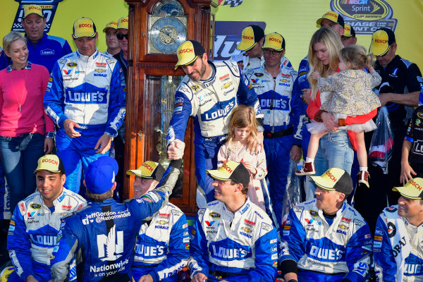 28-30 October, 2016, Martinsville, Virginia USA Jimmie Johnson and team celebrate in victory lane, Jeff Gordon  ?2016, Logan Whitton  LAT Photo USA