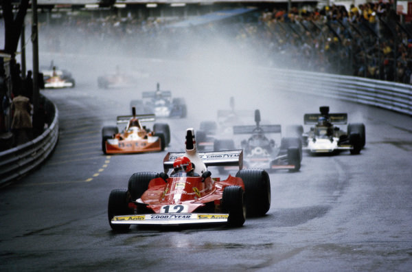 Niki Lauda, Ferrari 312T, leads Jean-Pierre Jarier, Shadow DN5 Ford.