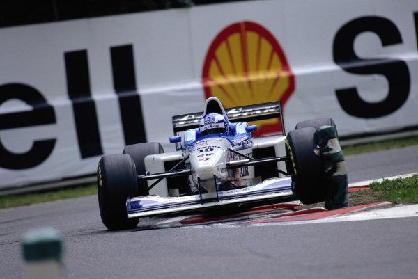 Mika Salo, Tyrrell 024 Yamaha.