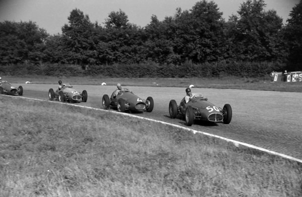 Juan Manuel Fangio, Maserati A6GCM-53, leads  Alberto Ascari, Ferrari 500, Onofre Marimón, and Giuseppe Farina.
