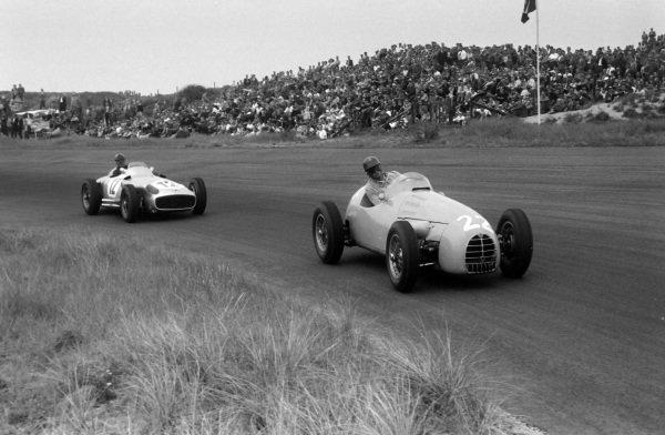 Hermano da Silva Ramos, Gordini T16, leads Karl Kling, Mercedes W196.